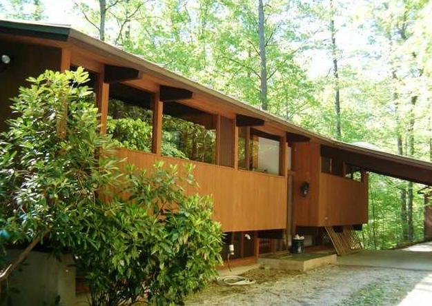 Ncmh deck houses for Acorn house designs