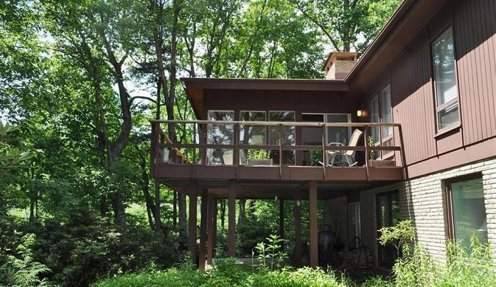 NCModernist Deck Houses